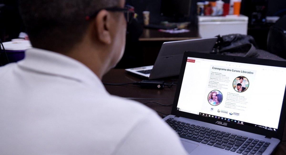 ESCOLAS CONECTADAS   Abertas inscrições para segunda etapa de cursos on-line gratuitos na área educacional