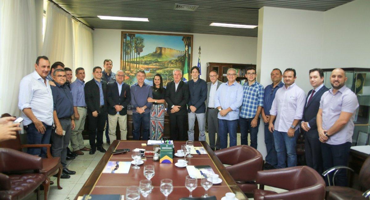 Empresários do setor de medicamento e transporte visitam Roraima